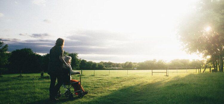 """""""Prendiamoci cura"""": contributi per servizi all'infanzia, scolastici e socio-assistenziali"""